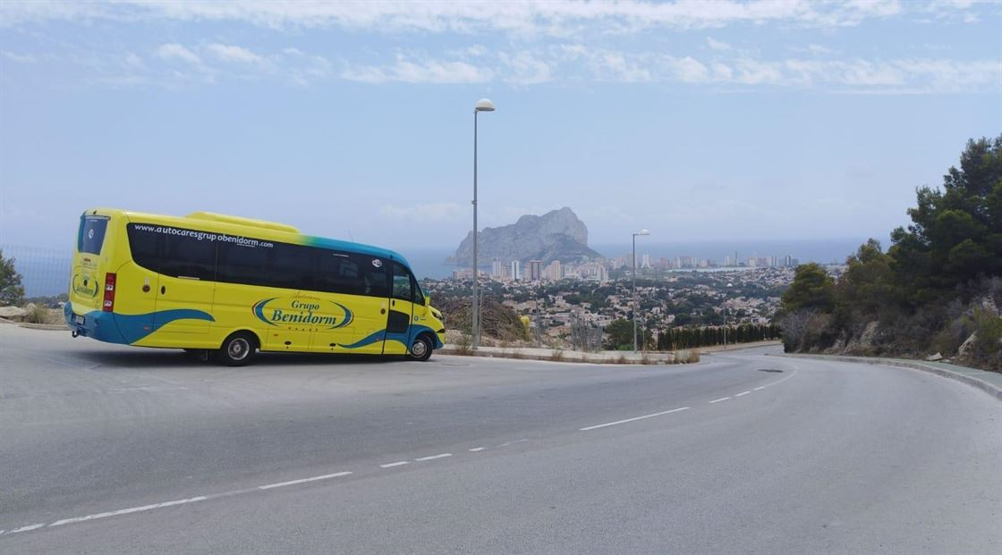 Costa Connect shuttle transfers between Alicante Airport and the main tourist destinations